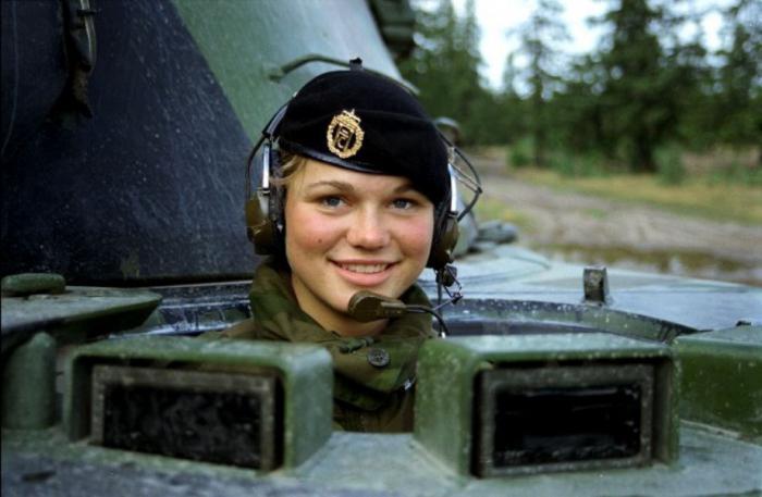 Работа связиста в армии девушки связи александра зарубина